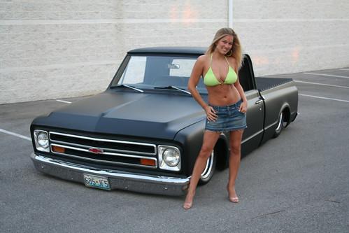 1968 Pontiact Firebird's front
