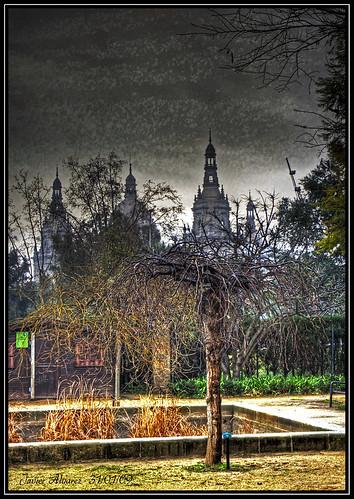 El Palacio de Montjuic desde el Jardin de Aclimatacion