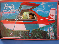 Barbie goes Travelin' (Big Red Angel) Tags: barbie vintagebarbie vintagebarbiegoestravelincase