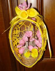 uovo di pasqua aperto decorato all'uncinetto (uncinetto_patrizia) Tags: e di pasqua uova pulcini alluncinetto