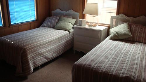 Cabin 02-09 050