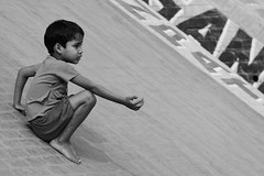 Varanasi (juanitabanana29) Tags: voyage trip travel boy bw india canon river children eos blackwhite kid asia child rivire holy varanasi asie enfant kashi sacr ganga garon inde banaras fleuve benares 30d ghat gange