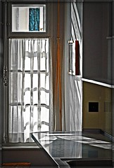 Light in the citchen / La Maison Blanche (Izakigur) Tags: light window kitchen architecture schweiz switzerland nikon europa europe flickr suisse swiss feel unesco jura 1912 d200 helvetia nikkor lecorbusier svizzera lepetitprince corbusier musictomyeyes finestre 105mm chauxdefonds romandie suisseromande 스위스 lachauxdefonds nikon105mm myswitzerland nikond200 charlesedouardjeanneret nikon105 nikkor105 bonpiedbonoeil nikkor105mmf28vr 105mmf28vr 105f28 platinumphoto flickrbronzeaward theunforgettablepictures nikkor10528vr nikon105mmf28gvrmicro nikon10528vr nikon105mmf28gvr izakigur nikon105mmf28micro 150209 imagesforthelittleprince chemindepouillerel villajeanneretperret laventuresuisse izakigur2009 nikonvr10528