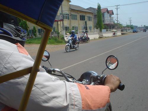 15.坐 tuk-tuk(嘟嘟車)前往Champasak