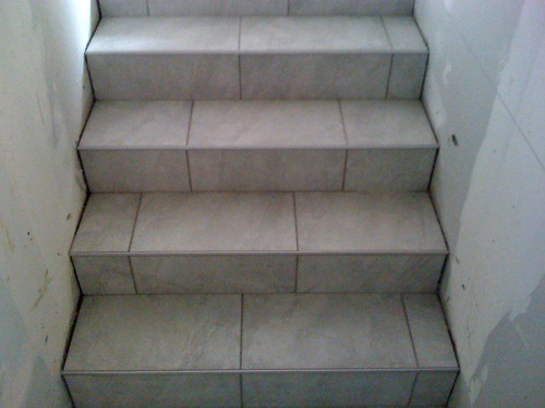 Suite le blog constuction de nicozip - Pose carrelage escalier ...
