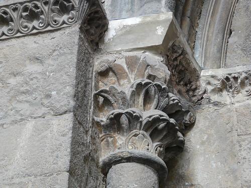 Capitel puerta principal (2)