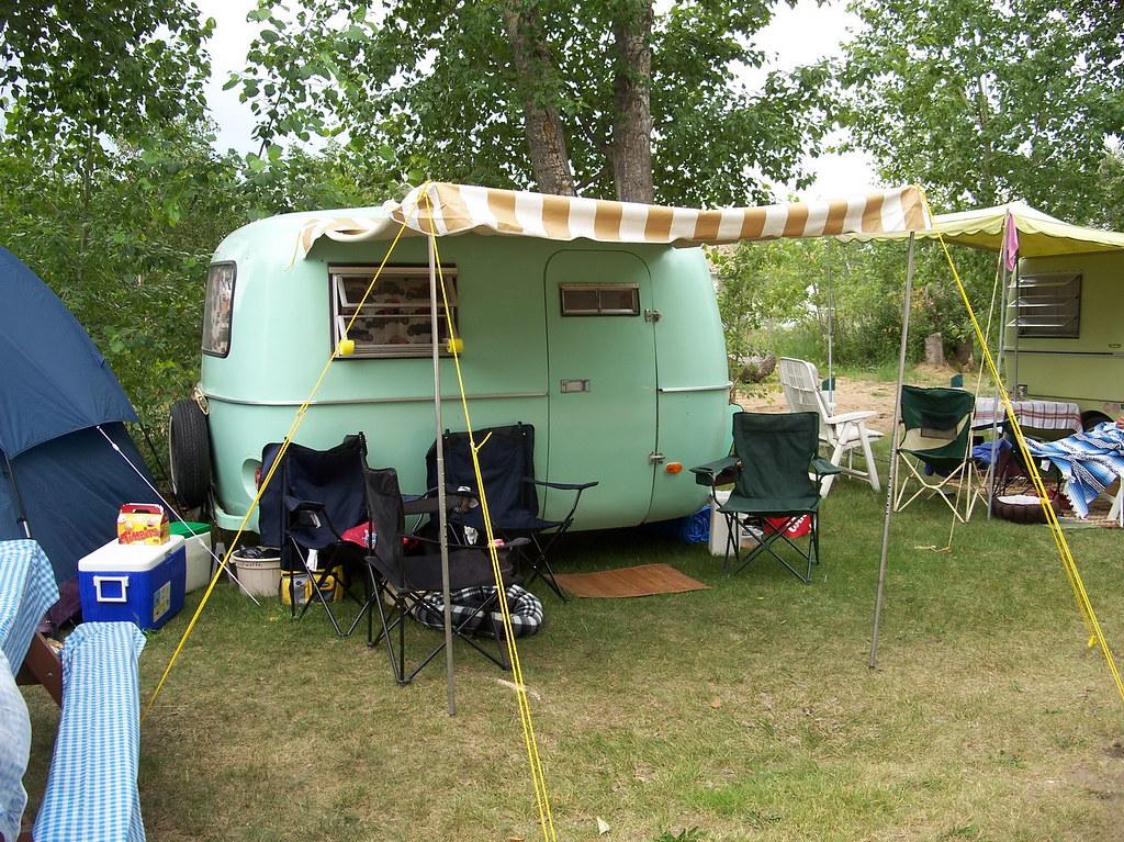 Bolerama 08g10 Macklin Lake SK, Boler Trailer 2008