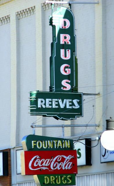 Reeve's Drugs - Pulaski, TN