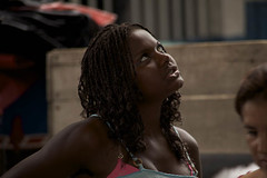 la vendedora (ecuadorpostales) Tags: mujer guapa negra pensativa patriciohidalgo