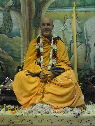 Indradyumna Swami Vyasa puja in UK 2010 -0024 por ISKCON desire  tree.