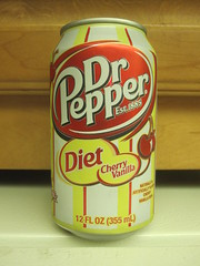 Dr Pepper Diet Cherry Vanilla (Like_the_Grand_Canyon) Tags: vacation usa america us soft florida drink can pop soda states diet amerika 2010