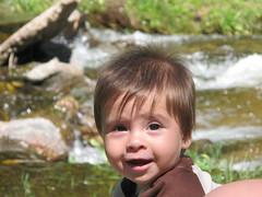 En el ro Agua de Oro (Al Zuwaga) Tags: summer baby water argentina smile ro creek river agua beb sonrisa crdoba vacaciones risa arroyo hollidays ezequiel kelo veraneo