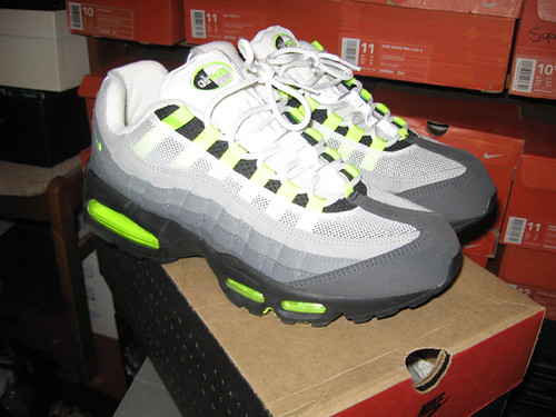 Nike Air Max 95 Neon 1999. This the classic air max 95 colorway.