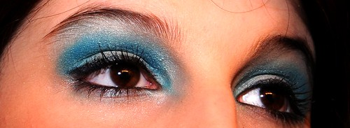 Blue eye shadow design
