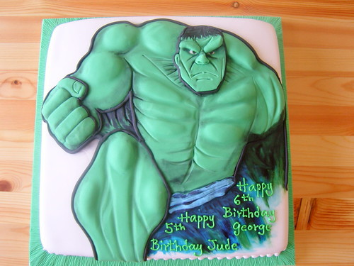 Hulk the green man cake
