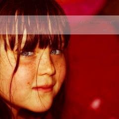 Le rouge lui va si bien... (nathaliehupin) Tags: portrait girl kid child enfant fille la photographebruxelles nathaliehupin mai2009 photographeluxembourg photographehainaut photographenamur photographeliege photographemons photographebelgique wwwnathaliehupinbe wwwnathaliehupingraphismebe