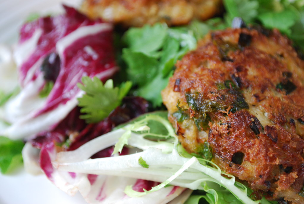 Food So Good Mall: Crab Cakes with Thai Chili and Ginger Dressing