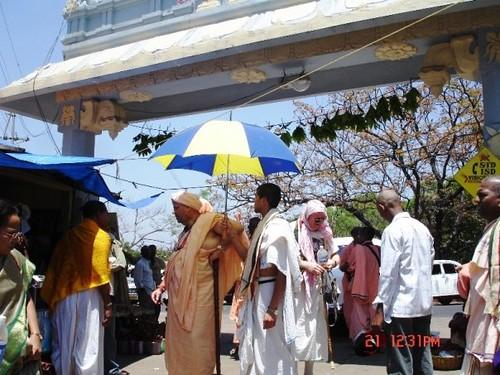 H H Jayapataka Swami in Tirupati 2006 - 0025 por ISKCON desire  tree.