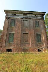 "Very neat ""eyebrow"" windows (Black.Doll) Tags: brick abandoned alabama plantation antebellum tinroof blackbelt greekrevival 1845 dallascounty elmbluff silentintheland blackbeltofalabama"