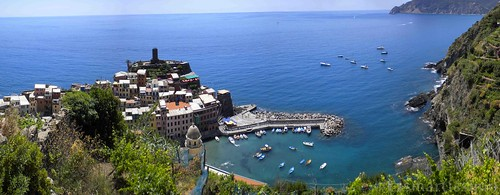 """Vernazza • <a style=""""font-size:0.8em;"""" href=""""http://www.flickr.com/photos/47339367@N06/5825546252/"""" target=""""_blank"""">View on Flickr</a>"""