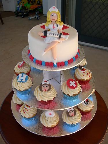 cupcakes designs. nurse cake/cupcakes