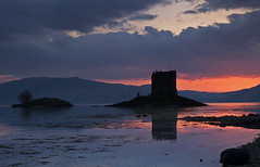 Castle Stalker, Scotland (smoncrieff) Tags: castle silhouette scotland gloaming castlestalker clans