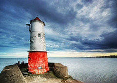 Lighthouse (well, sort of) in Berwick Upon Tweed (Semi-detached) Tags: red sea england people lighthouse white clouds landscape scotland high nikon dynamic angle wide shoreline sigma estuary shore edge brooding 1020mm range berwick hdr borders upon tweed spinney abigfave aplusphoto