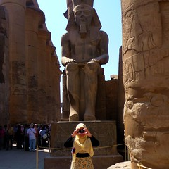 Ramses and his Fan Club ... (Ginas Pics) Tags: people woman man art geotagged temple egypt hijab nile getty sos luxor soe ramses brw travelstory ginaspics otw  muslima bej goldenmix wonderfulworldmix egyptpics goldstaraward allaboutegypt mallmixstaraward ramsesparty reginasiebrecht