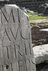 Frammenti di storia (Overlookdavid) Tags: roma foriimperiali