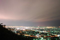 million of night scenes in    (  ) DSC_9615 (Ming - chun ( very busy )) Tags: city travel light sky house mountain building night landscape star evening nikon ray view nightshot d70 taiwan scene taichung nikkor          streelamp           taichungcity   fongyuan