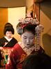 (yocca) Tags: interestingness kyoto explore maiko geiko 京都 teaceremony 2009 芸妓 舞妓 kamishichiken 上七軒 kitanoodori 北野をどり 市まめ お茶席 市桃 apr2009 今回はお正客さんの後ろ interestingness0428242