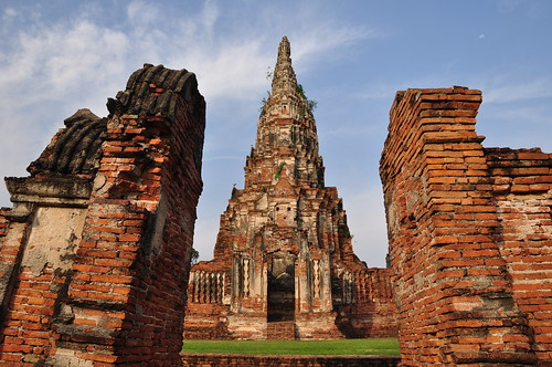 Easy Day Trip from Bangkok to the Historic Ayutthaya ...