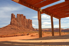 2009-04-26 Monument Valley, Arizona, HDR (luisgus) Tags: valley monumentvalley hdr monyment
