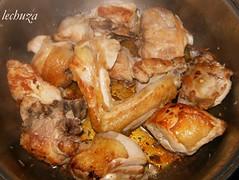 Fideua-dorar pollo