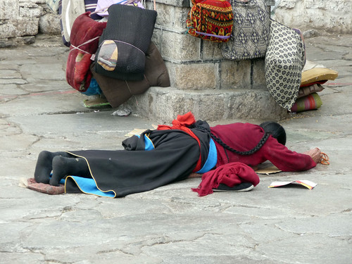 Prostrating in front of Jokhang Temple