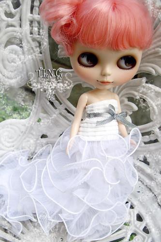 pinky bride