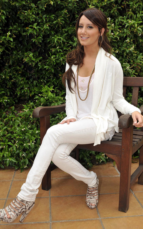 ashley-tisdale-shoot-689-3