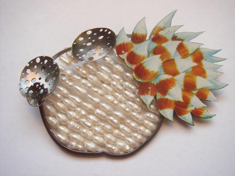 pearl reef brooch
