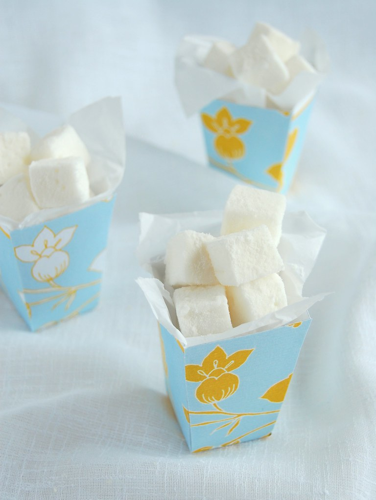 Orange blossom water marshmallows / Marshmallows de água de flor de laranjeira