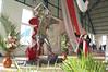 DSC_0176 - fotos do terceiro ABA PAI realizado no dia 12 de Junho de 2011 na Igreja de São Miguel Arcanjo em Bandeirantes, Paraná - fotógrafo Marcos Arruda (Bandfoto) Tags: brasil cn nikon jesus esperança nikond50 fé rcc bandeirantes bandfoto arruda igrejacatólica seminaristas coroinhas btes marcosarruda br369 igrejadesãomiguelarcanjo renovaçãocarismáticacatólica fotógrafomarcosarruda fotografiademarcosarruda wwwbandfotocombr santuáriosãomiguelarcanjo 12062011 paróquiasãogeraldomagela padrevalterrobertopereira padreantoniocarlospinheiro diocesedejacarezinho padrejosémarianogueira wwwigrejadesaomiguelarcanjocombr construçãodaigrejadesãomiguelarcanjo rccdebandeirantes junhode2011 cidadedebandeirantesparaná padrerobertomoraesdemedeiros dia12dejunhode2011 igrejadesãomiguelarcanjoembandeirantesparaná terceiroabapaiembandeirantesparaná aconteceuoterceiroabapaiembandeirantesparaná padreivanpedro bispodiocesanodomantoniobrazbenevente pregadoraveracasagrande eisqueestouaportaebateerecebereisoespíritosantoesereisvencedores 3ºabapaiembandeirantes anjosãomiguelarcanjo renovaçãocarismáticadebandeirantesparaná fotosdoterceiroabapaiembandeirantesparaná bençãodaimagemdesãomiguelarcanjo