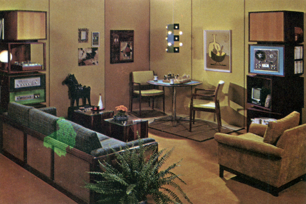 Hi-Fi family room