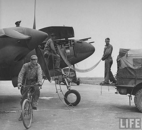 Warbird picture - P-38 Lightning machine guns