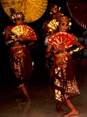 Bali Dancers / Balinese Dance - Fans (Dominic's pics) Tags: bali orange yellow indonesia gold golden fan dance costume dancers traditional culture slide scan event filter transparency 1998 noise hindu performer dharma canoscan balinese agama seriousexpression reducenoise balinesedance 8800f agamahindudharma