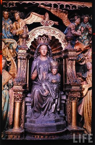 Detalle del altar mayor de la Catedral de Toledo en 1963. Fotografía de Dmitri Kessel. Revista Life (9)