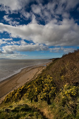Thurstaston Beach (The Wirral Bells) Tags: uk england cliff beach water canon river eos 350d rebel sand wideangle 1020mm ultrawide digitalrebelxt wirral merseyside riverdee 10mm thurstaston sigma1020mmf456exdc