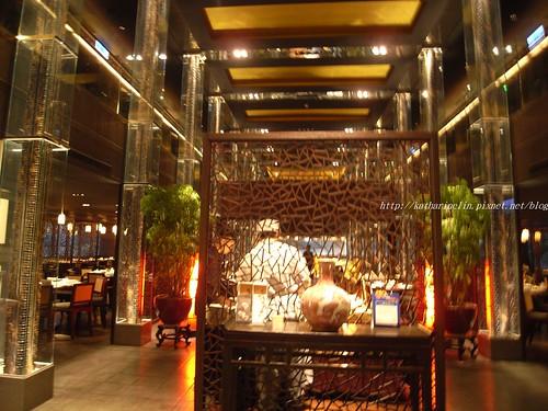 你拍攝的 3一樓餐廳入口屏風。