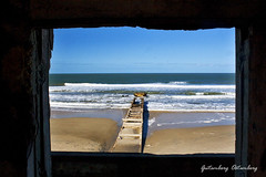 La Ventana de la Coronilla (Gutemberg Ostemberg) Tags: ocean autumn sea praia beach window digital canon uruguay ventana mar playa janela litoral outono uruguai gutemberg coronilla southofamerica