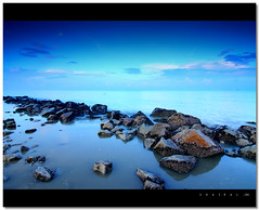 Blue Pantai Remis (Digital Camera Magazine Malaysia in Hot Shot) September  09 issue (SHAZRAL) Tags: blue sea sky seascape beach rock stone canon landscape eos laut filter batu pantai cokin p121 bitu 450d pantairemis gradualblue azralfikri shazral flickrunitedaward