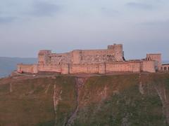 Syria, Hosn, Krak des Chevaliers. (Daniel Tardif (Best of)) Tags: light castle evening lumière citadel may mai syria chateau soir 2009 syrie krak citadelle inspiredbylove