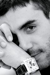 Tu. (Xelisabetta) Tags: portrait bw guy smile canon blackwhite eyes occhi sguardo sorriso ritratto eos400d xelisabetta elisabettagonzales